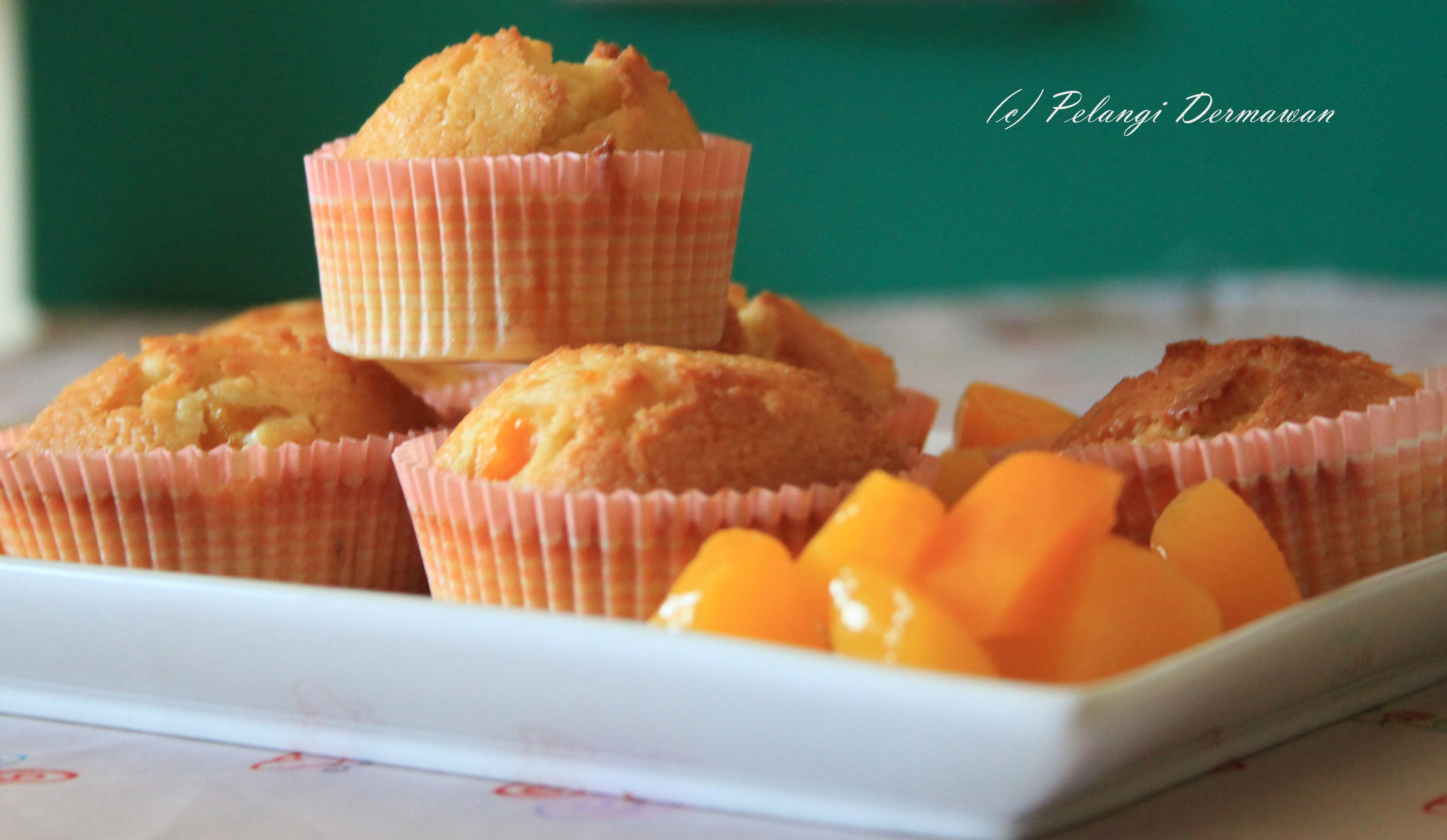 Almond Peach Muffins